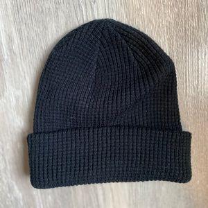 NWOT! Urban Outfitters Plain Black Winter Beanie🖤